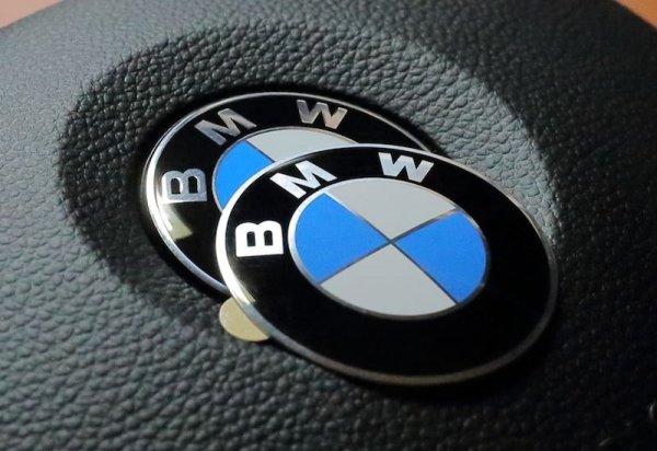 Эмблема на рулевое колесо BMW