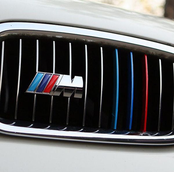 """Эмблема """"М"""" BMW на решётку радиатора"""
