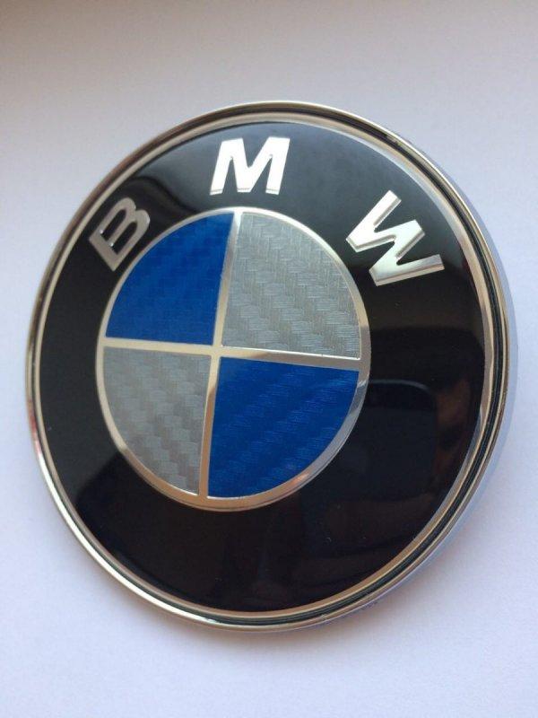 эмблема на капот бмв фото карбон