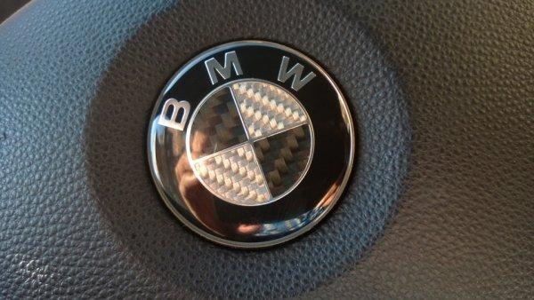 эмблемка на руль бмв картинка